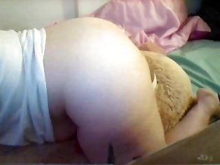 年轻的胖女孩驼背巨型泰迪直到性高潮