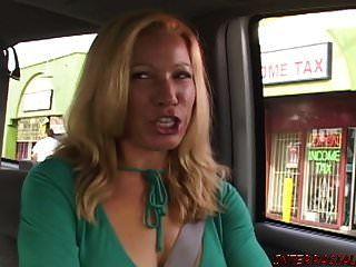 作弊的妻子喜欢她的第一个黑公鸡