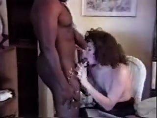 他们邀请黑人回家去操他的妻子