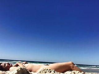 梦想的女人:毛茸茸的,有空的松软的山雀