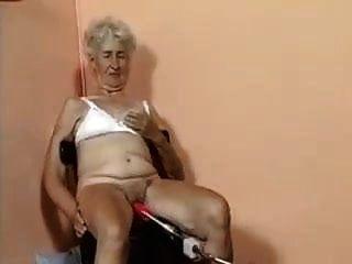 老奶奶被机器搞砸了