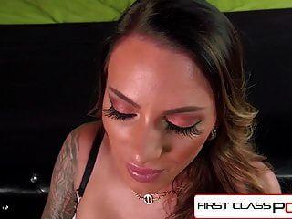 firstclasspov juelz ventura吮吸怪物公鸡,大胸部